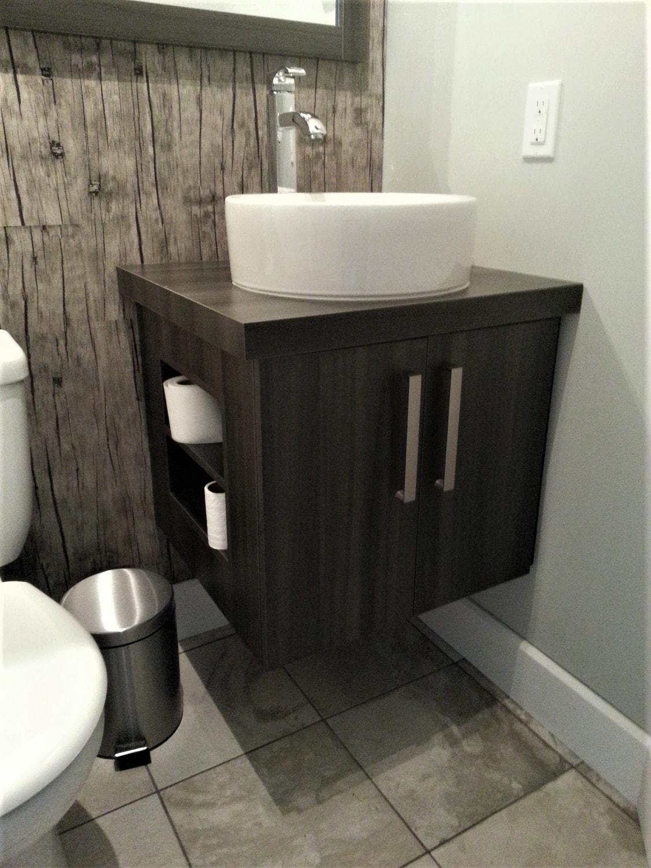 11. Vanité de salle de bain mélamine