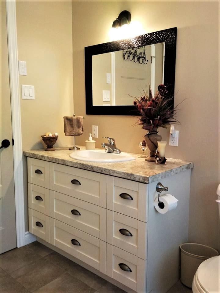 6. Vanité de salle de bain polyester