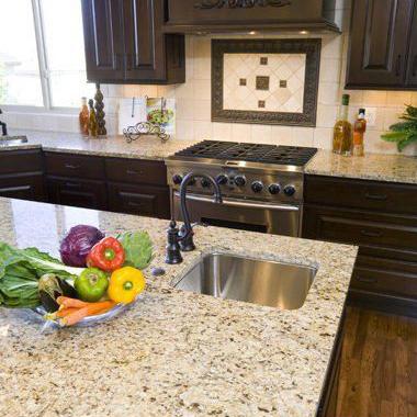 Comptoir-Granit-Giallo-Ornemental-Cuisine-Boudreau-Moyenne