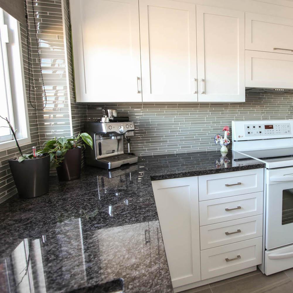 Comptoir-Granite-Steel-Grey-Cuisine-Boudreau-Moyenne